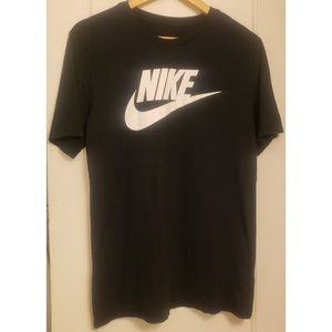 Nike Classic Athletic Cut T-Shirt